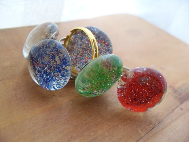 WitchCraft In Progress: sparkling glass rings!!