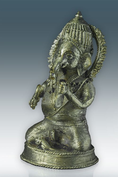 Sitting Ganesh Musician ( GD001 E )   For more details visit http://www.gitanjaliawards.com/User/View_Individual_Product1.aspx?P_Id=670