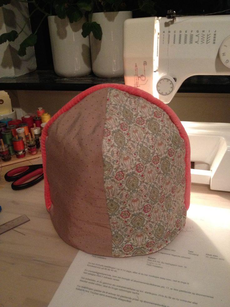 Thehætte - bagside / Tea cosy - back