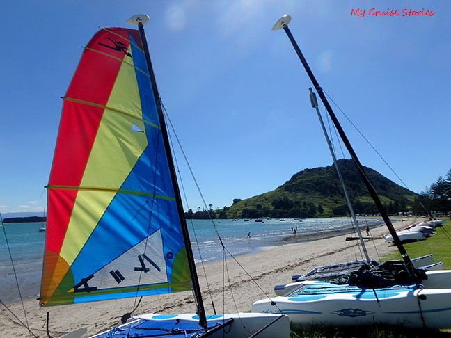 sailboat rentals and other fun stuff on the beach in Tauranga
