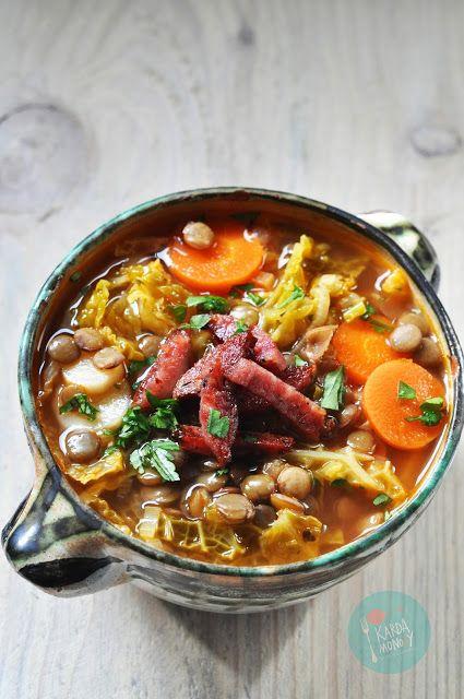 Kardamonovy: Zupa z kapustą włoską, kiełbasą i soczewicą