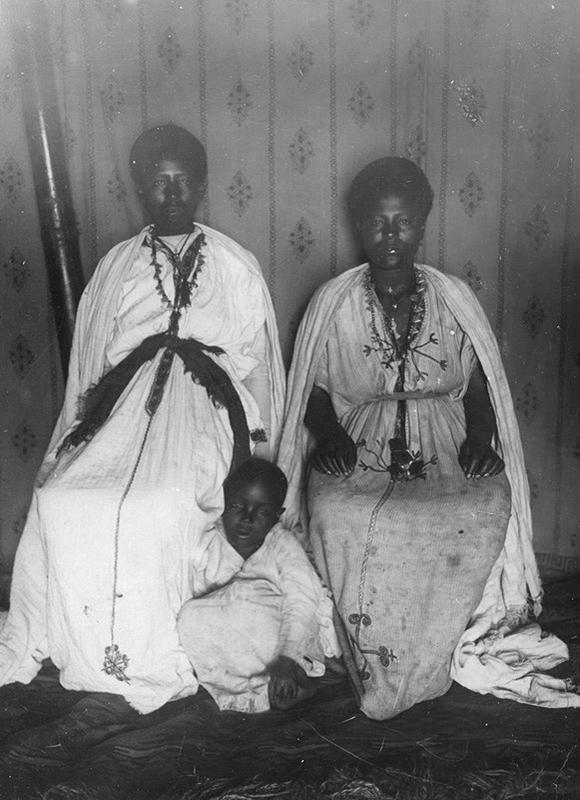 Women from Debre Markos 1928 | Ethiopia Historical photo