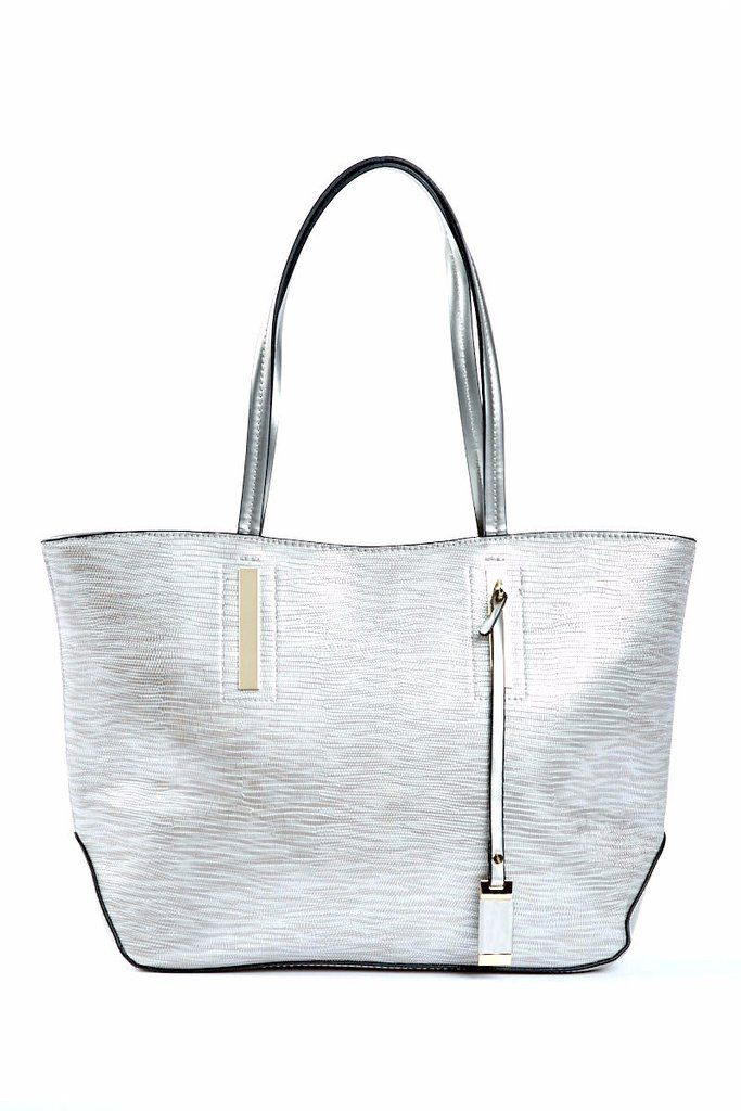 """The Alexia Tote has all the characteristics of the perfect bag. It's spacious and chic, with decorative gold accents and a textured design that adds luxury. The inside is divided into two compartments with ample zippers to store your daily essentials perfectly!  Details Vegan and Lead Free Gold hardware Double patent straps Exterior zipper pocket Interior zipper divider Interior zipper pocket Interior double pocket Size: 5"""" x 17"""" x 20"""""""
