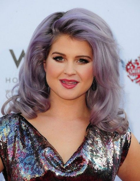 15 Kelly Osbourne Frisuren – Neueste Frisuren
