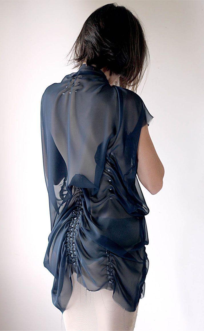 Experimental fabric manipulation technique using glue & a balloon #textiles fashion design