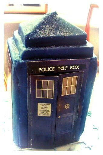 Amazing TARDIS birthday cake!