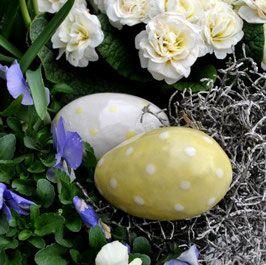 Handgemachte Deko-Eier aus frostfester Keramik