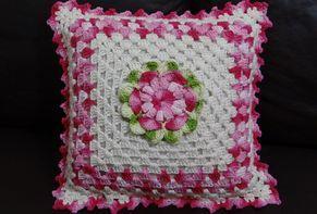 Receitas Círculo - Almofada flor Gisele