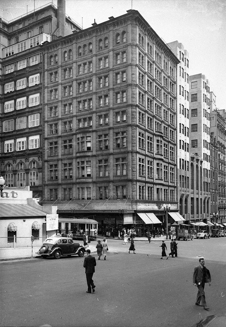 Hotel Australia,Martin Place,Sydney in the first quarter of the 20th Century.Photo from Dictionary of Sydney.A♥W