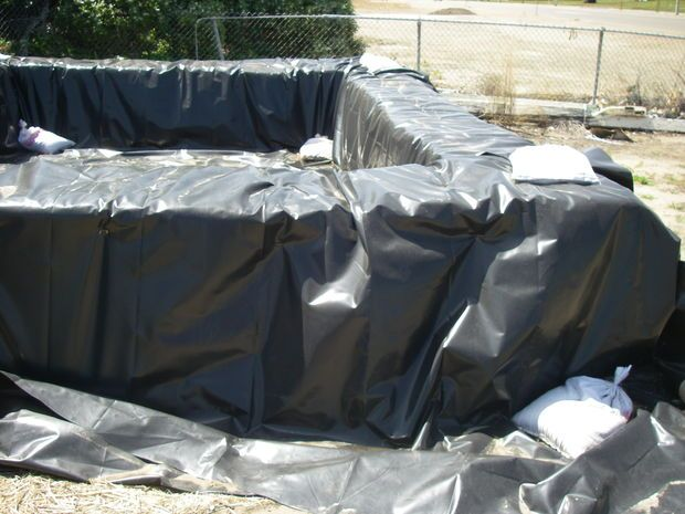 17 best ideas about hay bale pool on pinterest building - Redneck swimming pool with hay bales ...