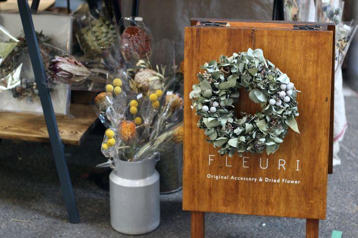 FLEURI (フルリ)| ドライフラワー dryflower wreath リース 看板 A看板