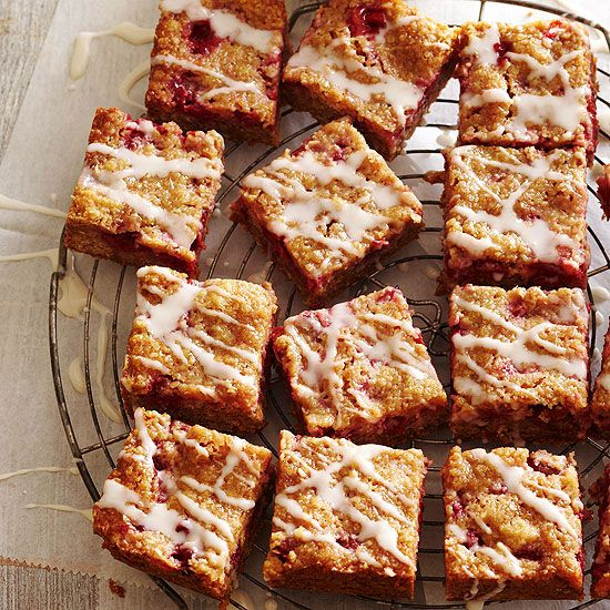 These sweet Cherry-Crumb bars are a mix between cake, cookies, and coffee cake. More delicious baking recipes: http://www.bhg.com/recipes/desserts/cookies/oatmeal-cookies/?socsrc=bhgpin041913cherrycrumbbars