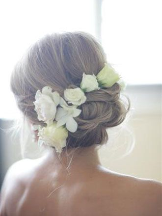 Real flowers in hair - Love this!