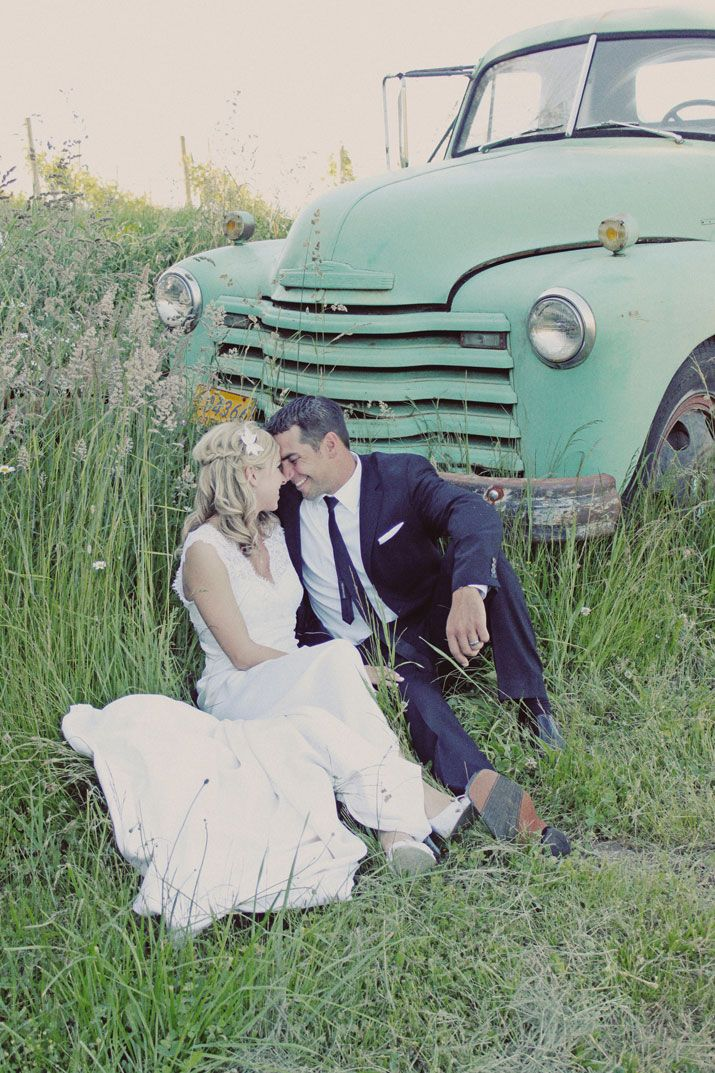 wedding pictures with antique trucks | ... in field wedding gown tuxedo kissing old fashioned truck vintage