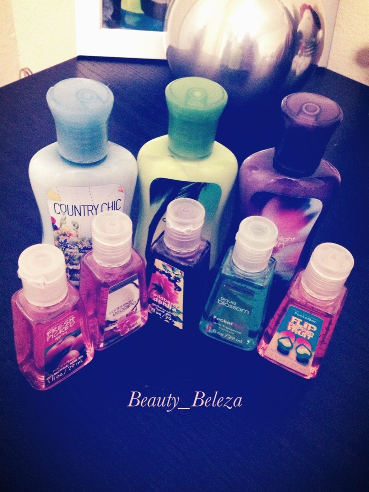 Sin falta en mi cartera, crema de manos y gel sanitizer. Instagram: beauty_beleza