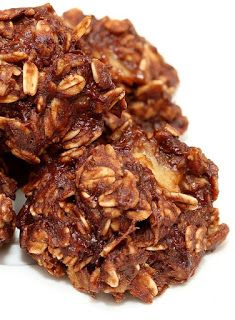 Really healthy no bake cookies made with banana, peanut butter, oats, un sweetened applescauce, cocoa powder....