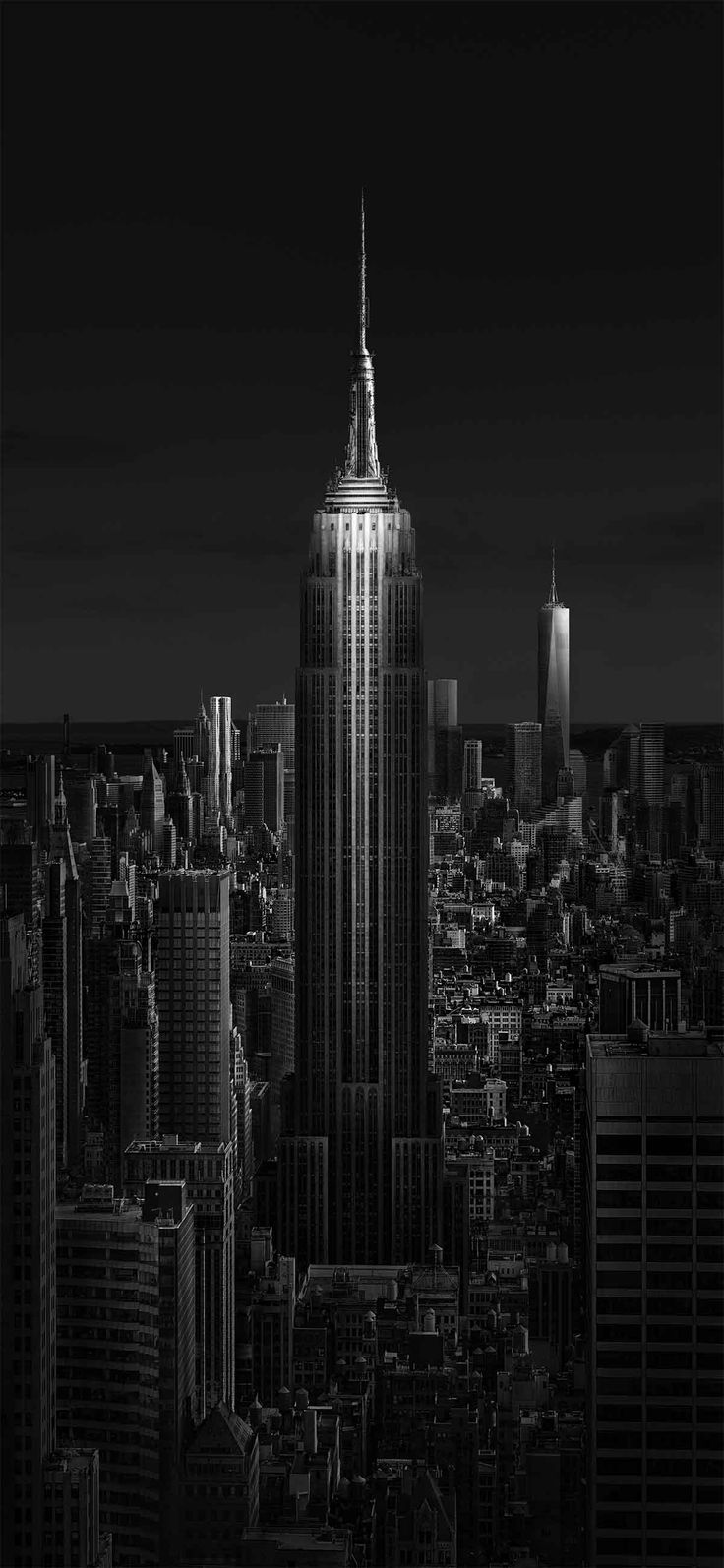 How to Create a Fine Art Photograph of Empire State Building - In this tutorial I will show how to create a fine art photograph of Empire State Building, the symbol of New York City. This is the way I see it. I use black and white photography to express myself because this suits my artistic sensibility