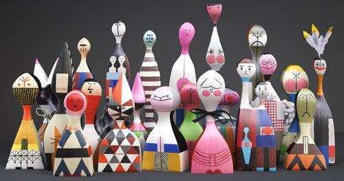 Wooden Dolls Holzfiguren: Girards Lieblinge in der Neuauflage von Vitra erhältlich