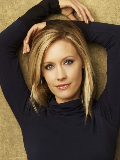 Charlotte King from Private Practice...blonde and perfect!