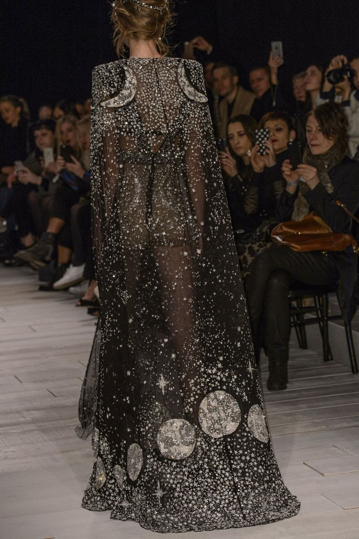 What Moonshadow, a famous Braavosi courtesan would wear, Alexander McQueen