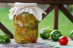 Салат из зеленых помидор на зиму «Вкуснота»