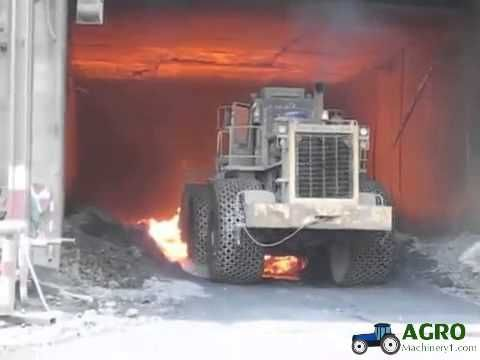 pewag tire tyre protection chains in hot slag operation http://www.agromachinery1.com/video_listing/pewag-tire-tyre-protection-chains-in-hot-slag-operation/