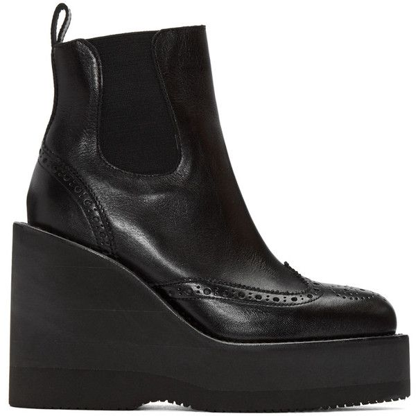 Sacai Black Brogue Wedge Boots (1,375 CAD) ❤ liked on Polyvore featuring shoes, boots, black, black wedge heel boots, black platform boots, platform shoes, black brogue boots and wedge shoes