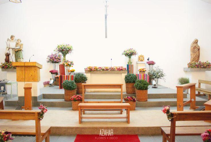 Iglesia Parque San Rafael. Decoración colorida y campestre #church #deco #wedding #aguayos #flores #campestre
