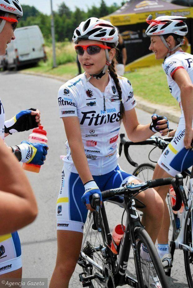 Types Of Bikes In 2020 With Images Bicycle Girl Cycling Women