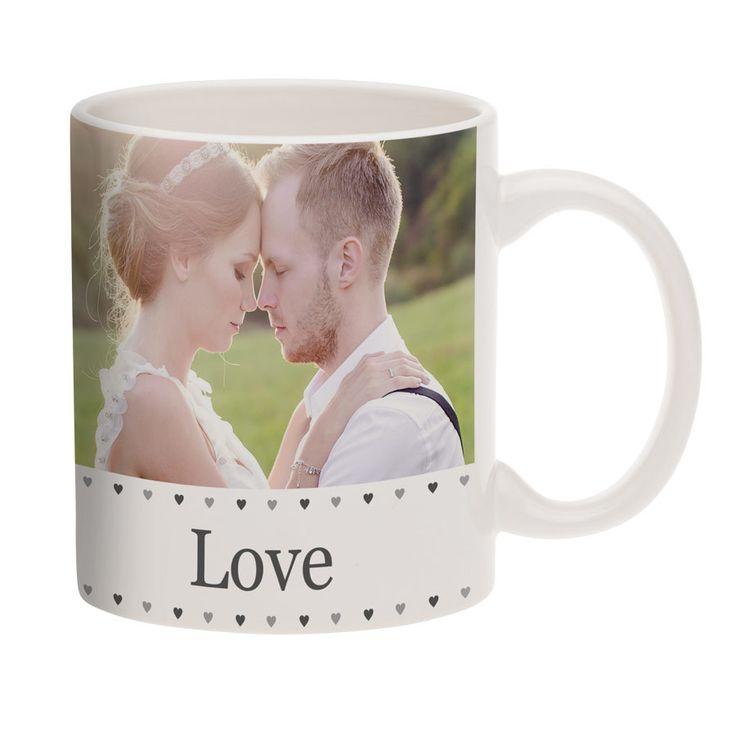 Gek op een lekker kopje thee of koffie? Wat is er dan leuker om uit een gepersonaliseerde mok te drinken? De mok is volledig zelf te ontwerpen met design, foto, naam berichtje, et cetera.  #mok #drinken #koffie #thee #personaliseren #Personalisatie