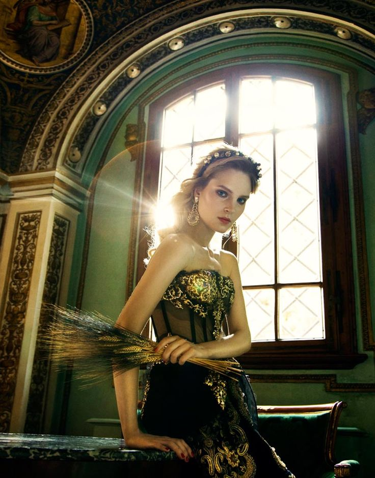 from a Renaissance-inspired Elle Ukraine editorial.