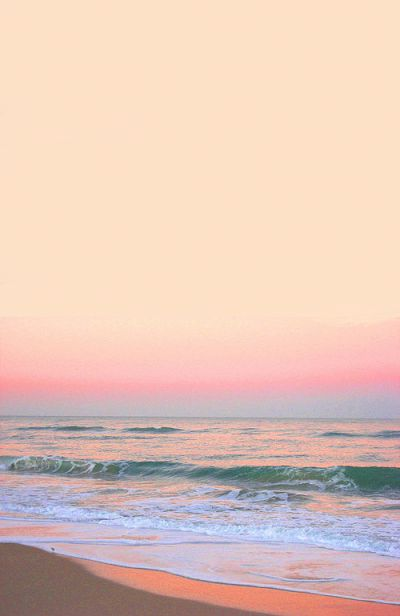 Love the colors and soft blurred lines. I would be fully relaxed with my toes on that shore, waiting for the water to chase them! <3 Vivayne