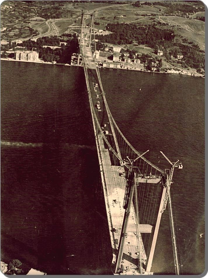 1970'lerin başında, Kuzguncuk, Beylerbeyi ve Ortaköy havalisi nasıldı? İşte yanıtı, 1971 ve 1972'den Boğaz Köprüsü'nün iki yanının halini pür melalini gösterir fotoğraflar: #İstanbulNostaljisi