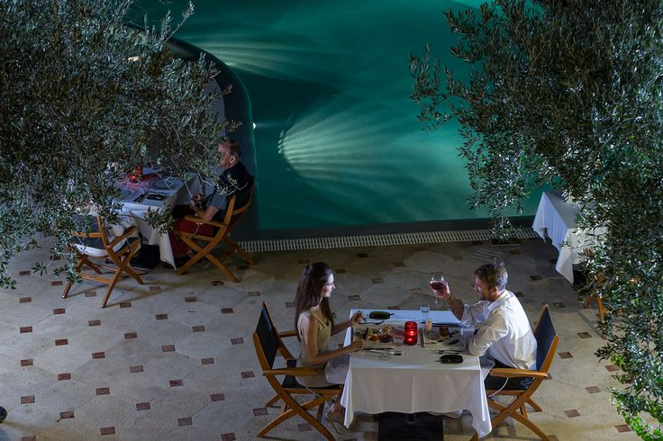 Simply select a smart casual dress code for a romantic dinner in Argo Restaurant by the pool #eloundagulfvillas