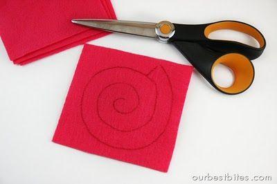 how to make felt rosettes for rosette wreath :)