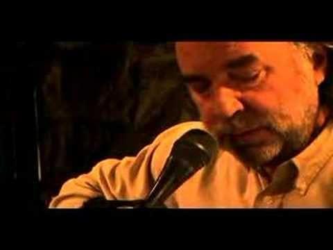 """Eduardo Gatti - El navegante  Tema extraido de su DVD """"Eduardo Gatti Acustico"""" Espero que lo sepan disfrutar y adquieran este fantastico trabajo..."""