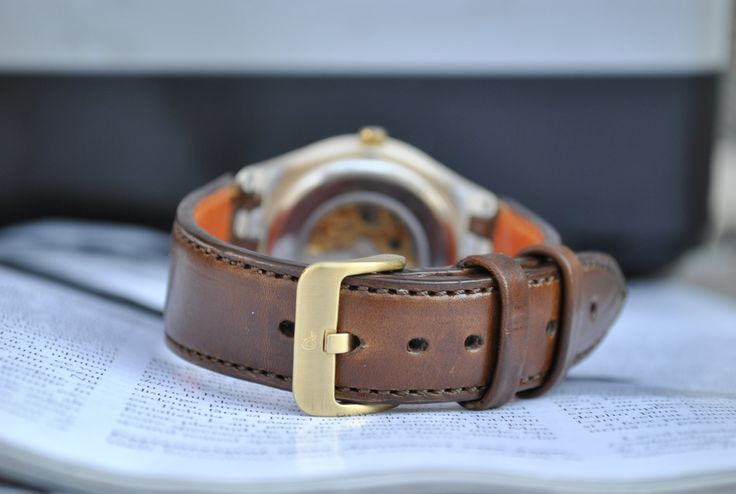 Custom Swatch Irony Gold - Stunning Handmade Brown Vegetable Tanned Leather Custom Lug Size Color by ChristianStraps on Etsy