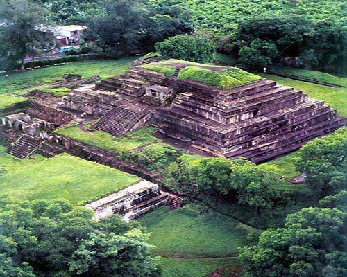 Ruinas del Tazumal en Chalchuapa, dpto. de Sta. Ana. El Salvador.