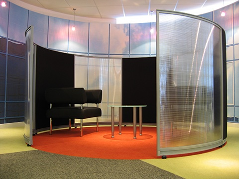 Relocatable Break Out Or Meeting Area Utilising Curved Screens Available In A Variety Of Sizes And Office Interior DesignOffice