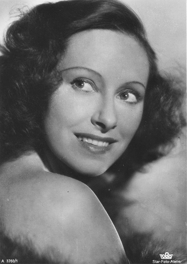 Muráti Lili, Hungarian Actress