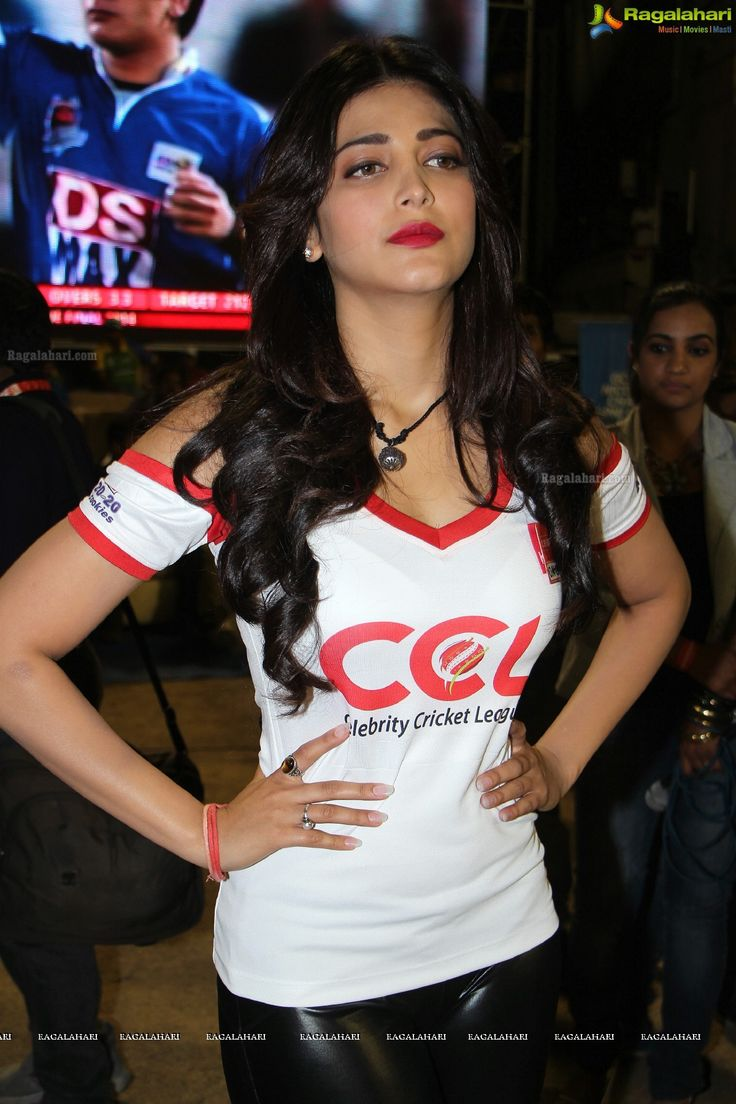 Shruti Hassan Latest Cute & Sexy Stills In White T-shirt at CCL Finals...