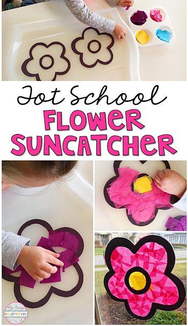 This flower sun catcher is so pretty! Perfect for spring in tot school, preschool, or the kindergarten classroom.
