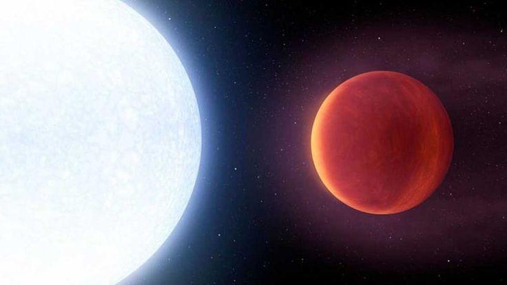 Representación artística de la estrella KELT-9 y su planeta KELT-9b.  http://www.rtve.es/noticias/20170605/descubren-planeta-casi-tan-caliente-como-sol/1560753.shtml