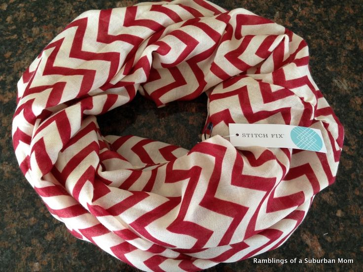 I haven't done either chevrons or infinity scarves yet, but this is the kind of thing that would induce me to give them a try.