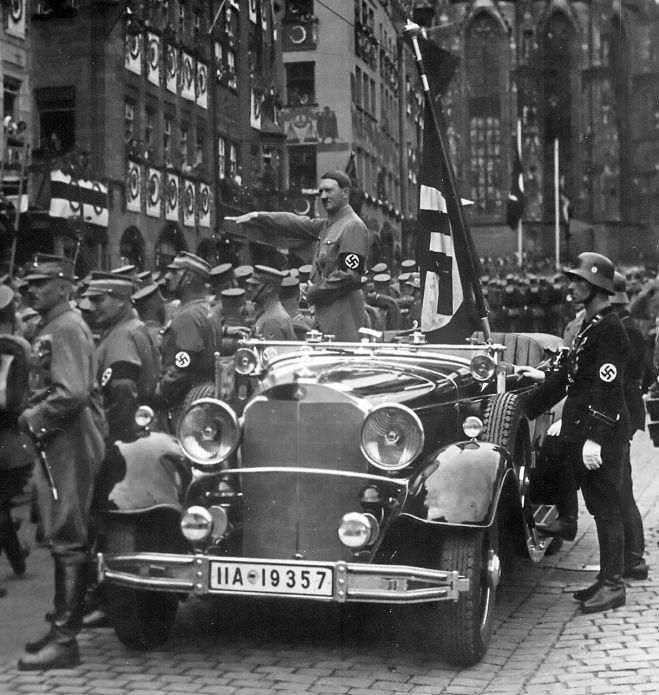 Hitler_Nürnberg_1935