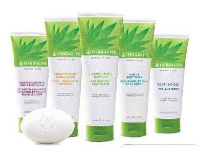 Linea herbal aloe a base d aloe shampoo, balsamo, bagnoschiuma, gel lenitivo viso, gel corpo, saponetta