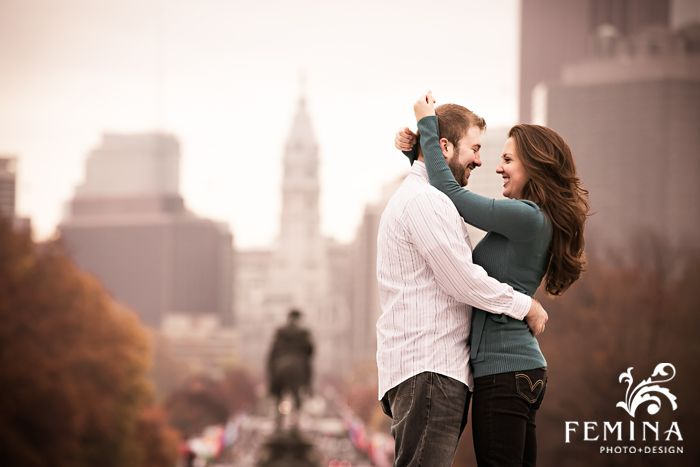 Philadelphia Art Museum Engagement Photos, Philadelphia City Hall | Photo by Philly photographers Femina Photo + Design www.feminaphoto.com