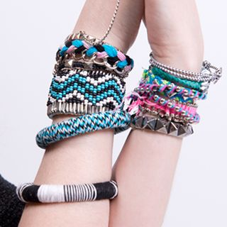 Created for fashion-loving teen girls who are looking for quirky-cool pieces. TRENDIY offers a variety of special DIY accessories for varying occasions.