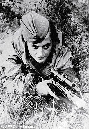 Red Army Soviet sniper Lyudmila Pavlichenko | The Ukrainian-Russian Woman killed 300+ Nazis