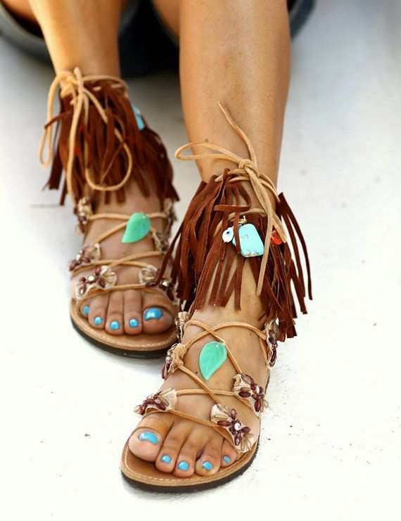 Really cute, the Pocahontas look. Love the turquoise